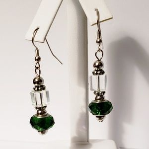 🤩 Faceted green and clear block bead earrings